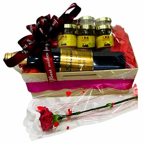 Send easter gifts to singapore low cost easter gifts delivery in this gift baskets contains of brflower arrangmen negle Images